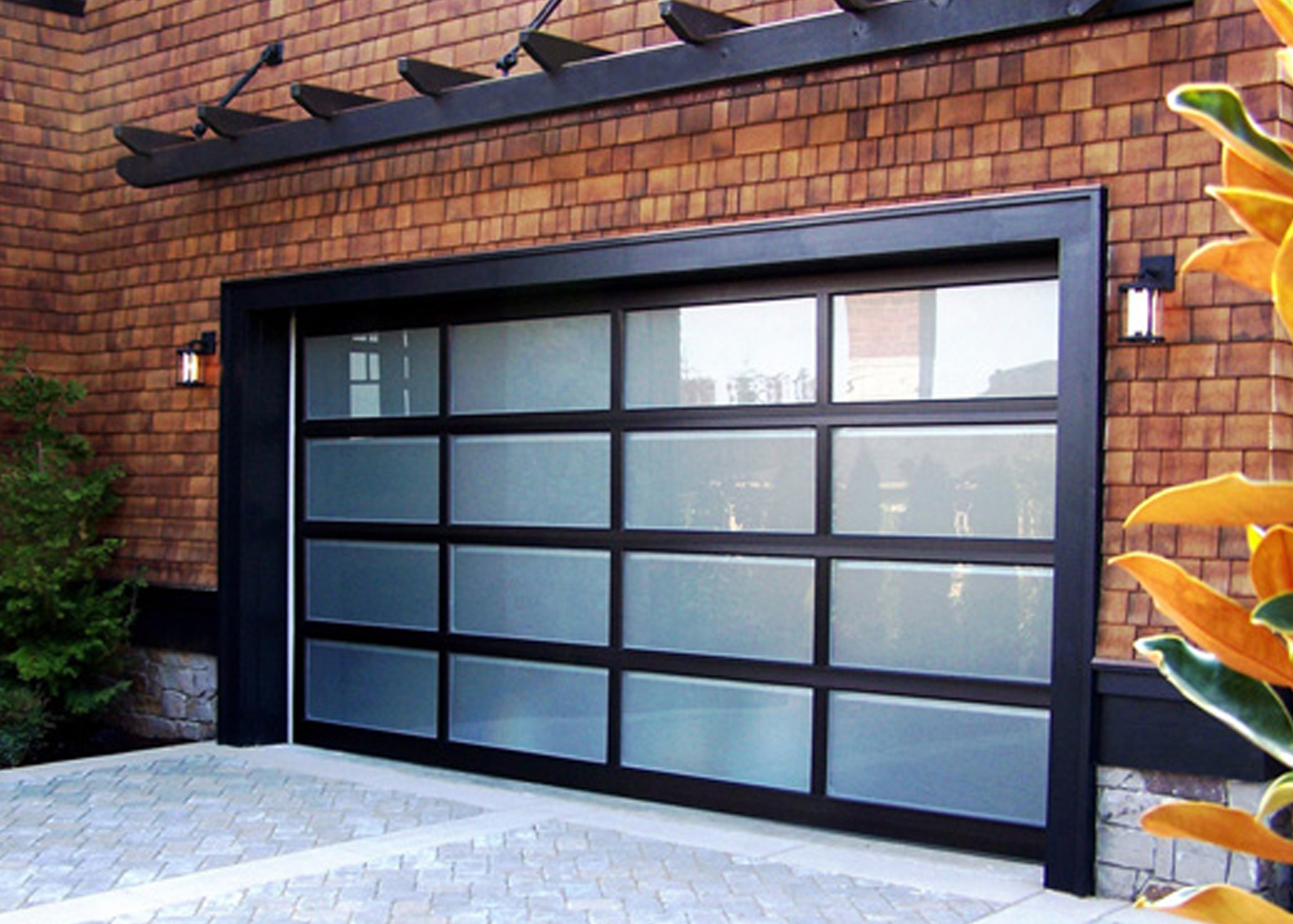 What to expect at a free estimate appointment with a team for Oversized garage door