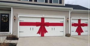 Donu0027t Forget Your Garage Door When Decorating For The Holidays!